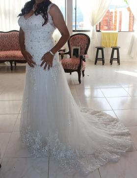 vendo hermoso y económico vestido de novia y pajesitas