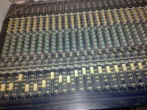 Ganga consola mixer 36 canales