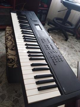Sintetizador Yamaha S03