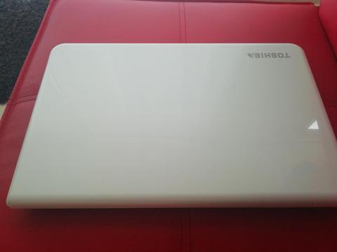 Vendo O Cambio Portátil Toshiba