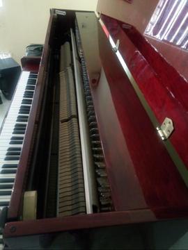 Piano Vertical De 7 Octavas