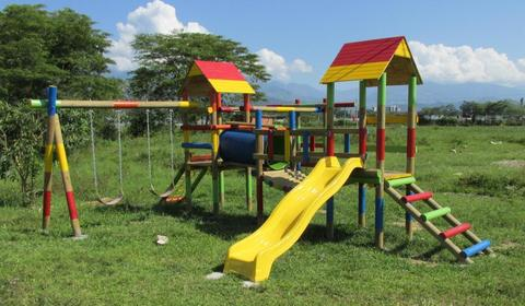 Venta de Parques infantiles en madera columpios resbalador tunel