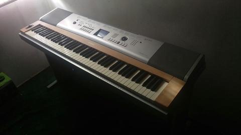 Vendo Cambio Grand Piano Yamaha Dgx 620