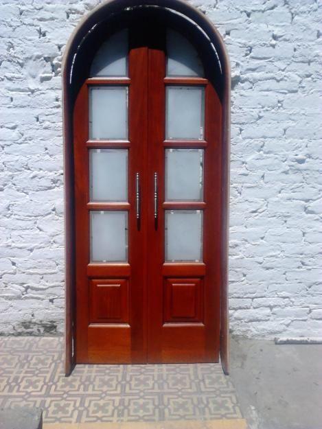 Vendo puerta de paso de lujo, con vidrios biselados, de 200 cm x 90 cm curva con dos hojas, para cocina