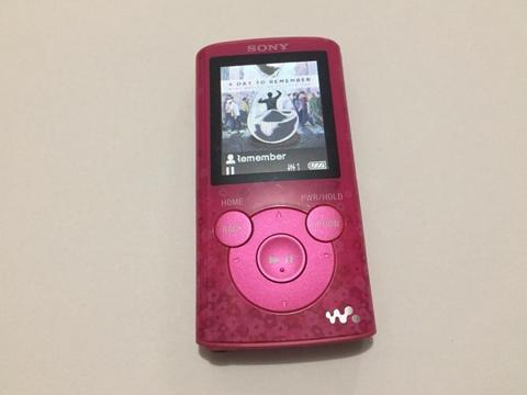 REPRODUCTOR DIGITAL WALKMAN MP3 SONY 4GB MODELO: NWE383